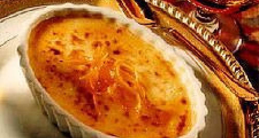 Crème brulée med svisker og marsipan