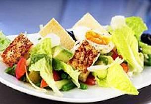 "Salat ""Gourmande"" av krydderstekt Norsk Kveite"