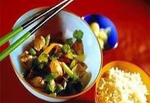 Ishavsrøye med lime og koriander i wok