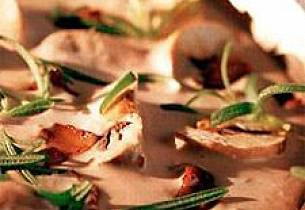 Kylling- eller svinefilet med Rosmarin- og soppsaus