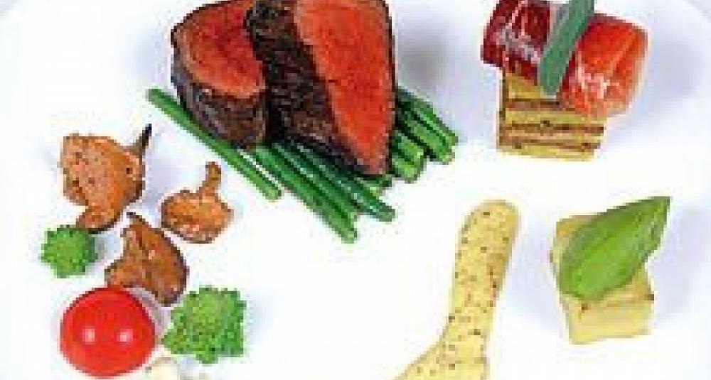 Indrefilet av kalv med polentalasagne, parmesan- og Dijonhollandaise