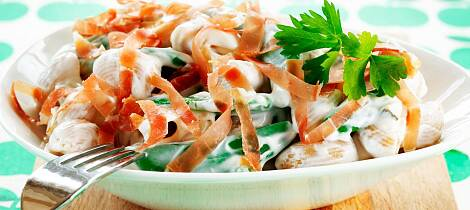 By på en sommerlig pastasalat