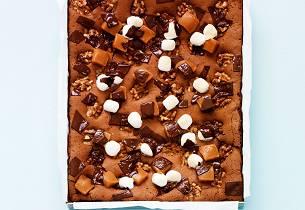 Brownies med karameller og marshmallows