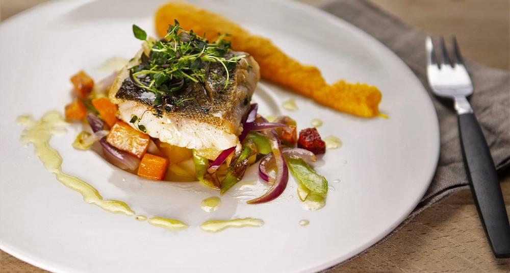 Stekt torskefilet med chorizo og grønnsaker