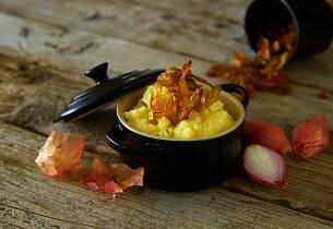 Potetmos med sprøstekt potetskrell