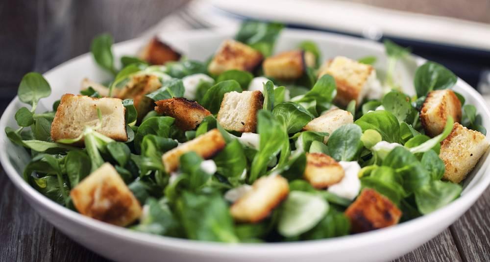 Cæsarsalat med ruccula