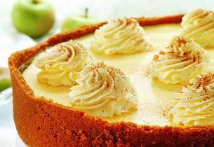 Ostekake med eple og ingefær