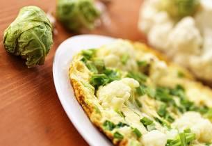 Omelett med blomkål og cottage cheese