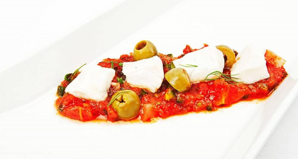 Ceviche av sei med salsa