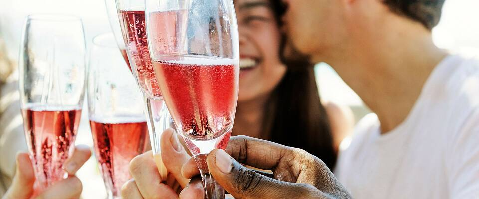 Her finner du gode alternativer til rosa champagne