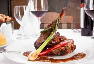 Winemakers Dinner med topp viner fra Piemonte til en spesialkomponert 5-retters meny på Klosteret restaurant