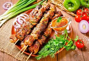 Marinerte lammespyd  shish kebab