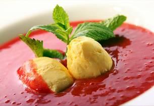 Chili- og ingefæris med jordbærsuppe