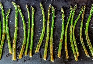 Ovnsbakt asparges