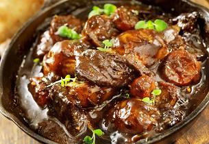 Sosekjøtt med mørk kjøttkraft