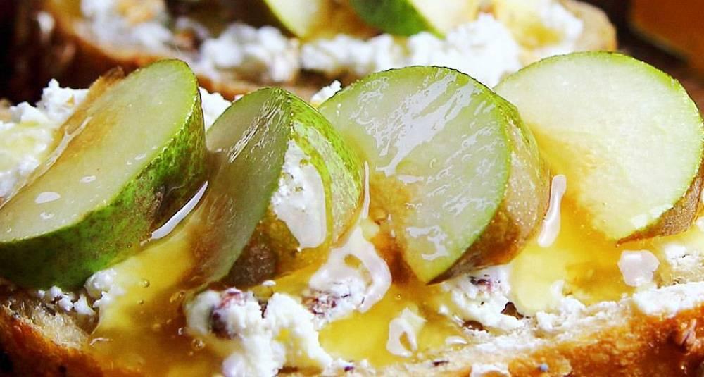 Ostesmørbrød med pære