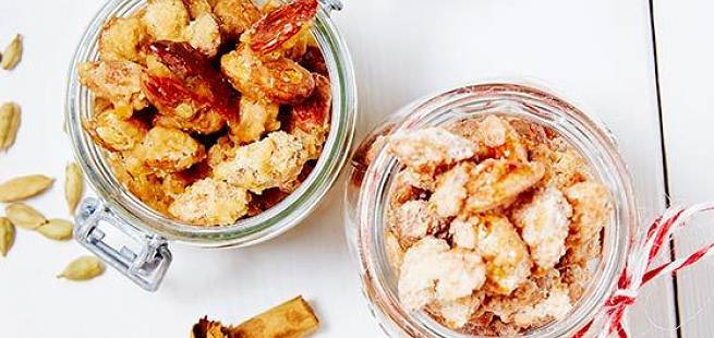 Brente mandler med smak av appelsin og pepperkake