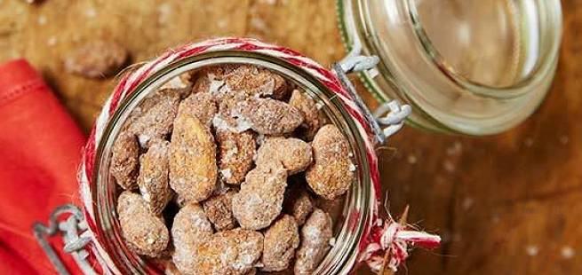 Brente mandler med smak av lakris og salt