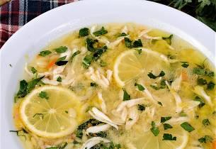 Fiskesuppe med egg- og sitronsaus