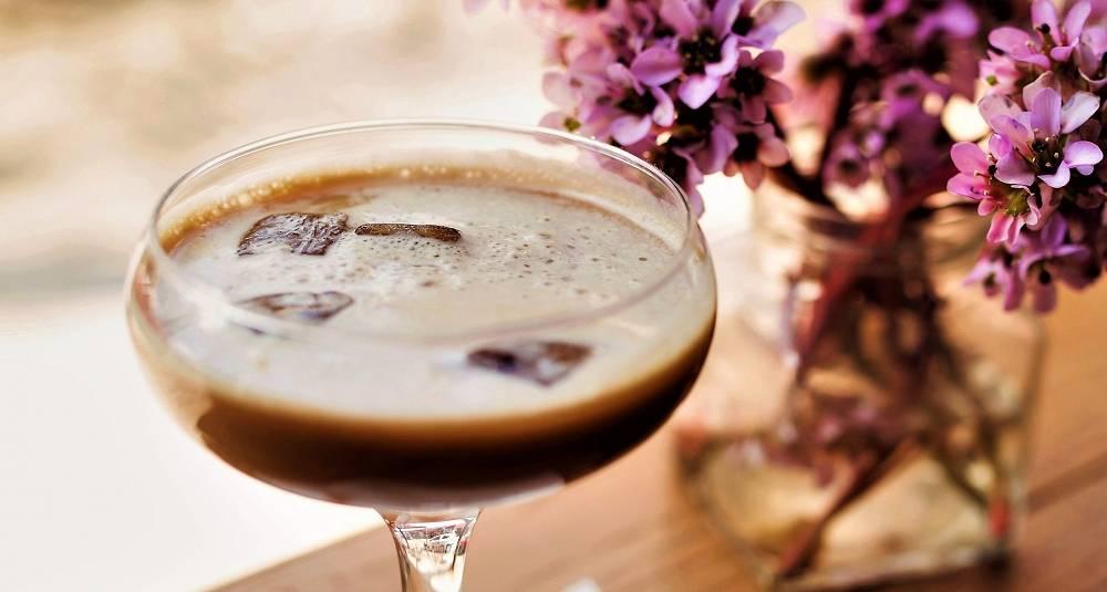 Denne sjokoladedrinken kan serveres kald eller varm