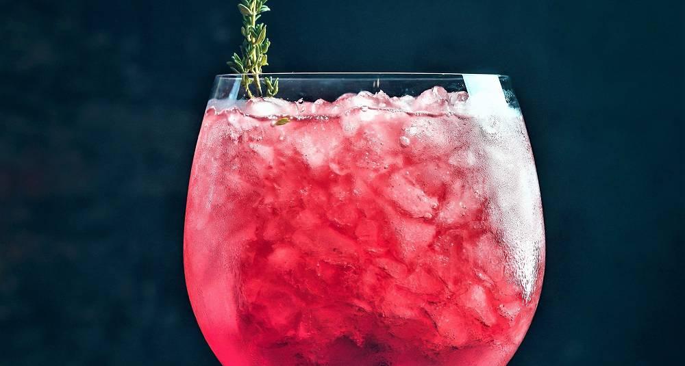 Denne drinken er så lett å like at du ikke kan unngå å bli sjarmert - eller få lyst på mer