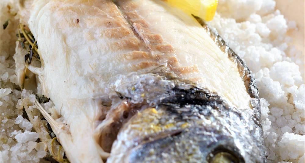 Saltbakt havabbor med sjøgress-beurre blanc