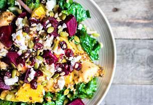 Rødbete-, grønnkål- og potetsalat