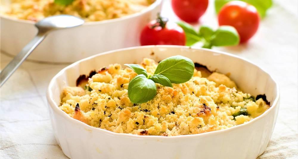 Smuldrepai med ost og skinke