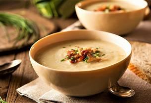 Potet- og løksuppe