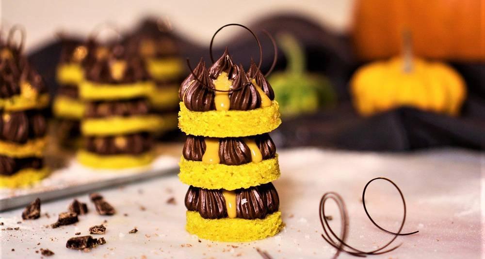 Gresskarkake med gulrot, tindved, sjokolade og Baileys