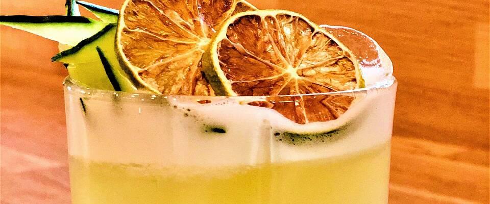 Prøv denne vrien på en gin sour