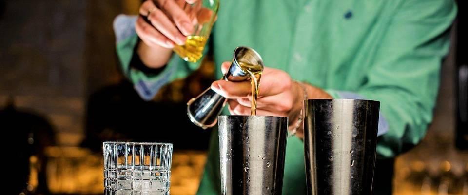 Glad i å eksperimentere med drinker? Ta i bruk din egen digitale drinkbok