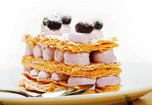 Lettvint napoleonskake med blåbær