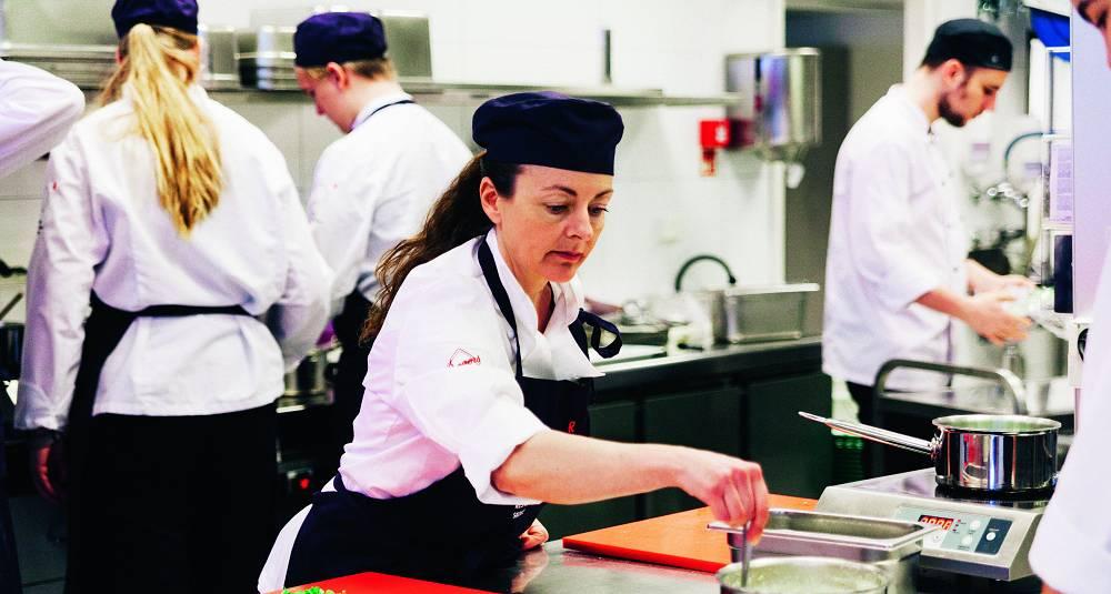 Landet trenger flere kokker. På Norsk Restaurantskole får du en utdannelse bransjen etterspør