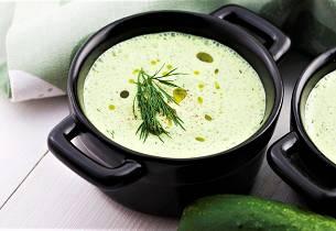Kald yoghurtsuppe Tarator fra Bulgaria