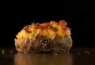 Bakte poteter med sopp og bacon