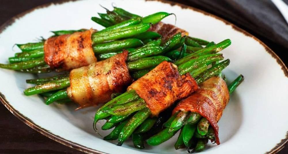 Lettlagde aspargesbønner med bacon