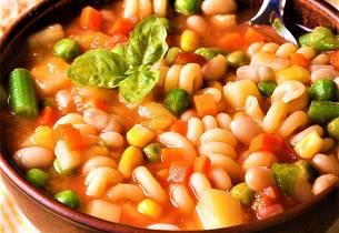 Suppe med pasta og kikerter Minestrone di Pasta e Ceci