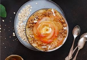 Havregrøt med perismon, granateple, nøtter & honning