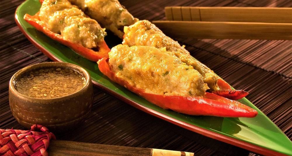 Kochujon med chojang - chili fylt med farse med koreansk dippsaus