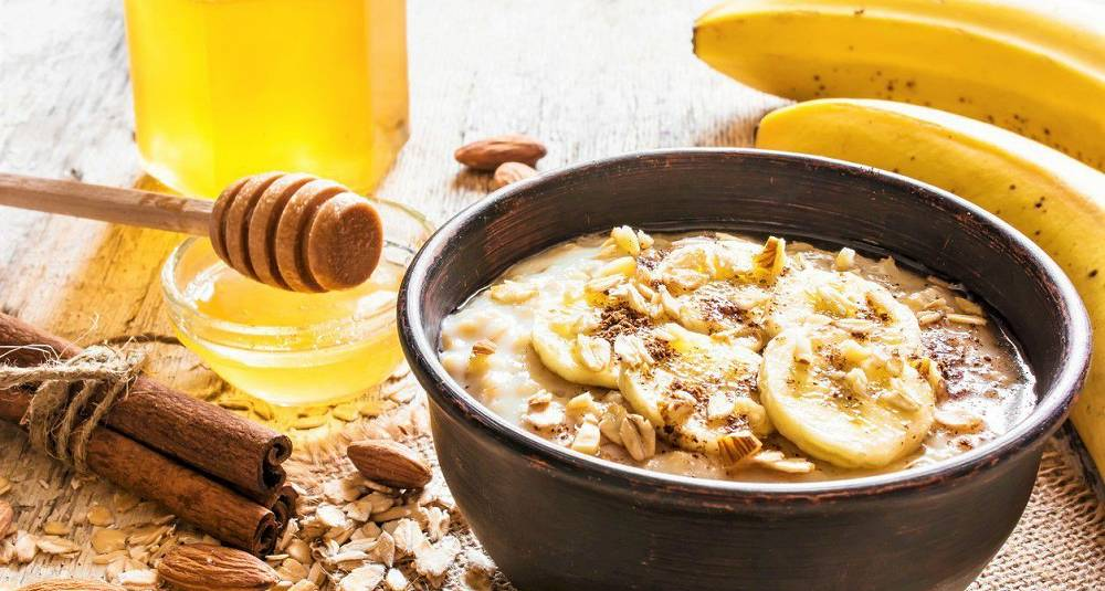 Byggrynsgrøt med honning og kanel