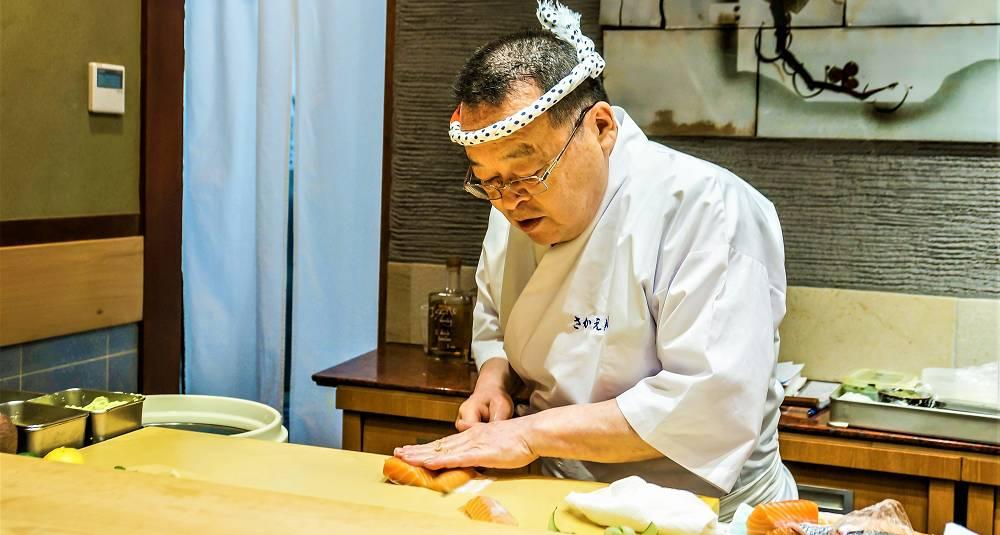 Slik revolusjonerte norsk laks japansk sushi