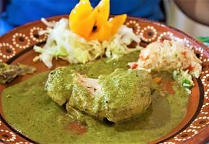 Kylling i grønn saus med mandler som i Mexico
