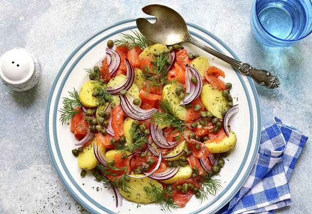 Smaken av norsk sommer er søt nypotet og røkt ørret