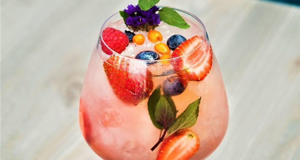 Rosa Aperol spritz