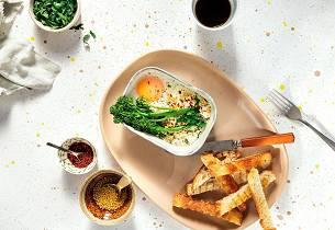 Ovnsbakte egg med Bimi og syltede sennepsfrø
