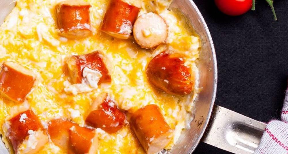 Omelett med pølser