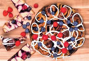 Prinsessekake med blåbær og bringebær