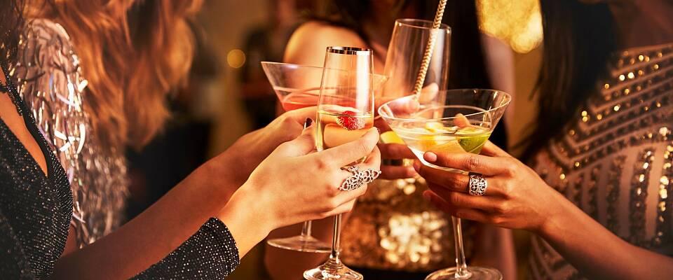Opplev en luksuriøs cocktail-aften på Bokbacka med 5-retters gourmetmiddag og mange spennende overraskelser