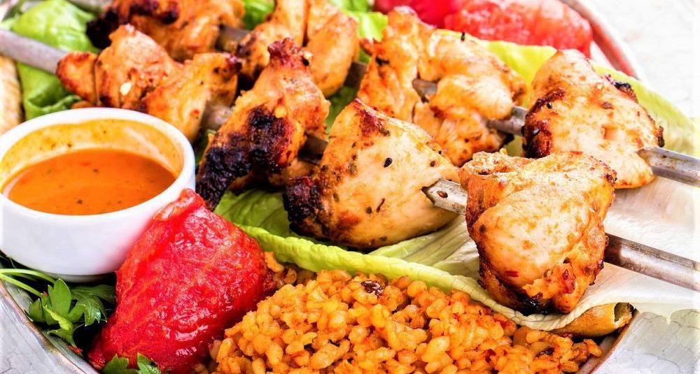 Hot barbeque-salat